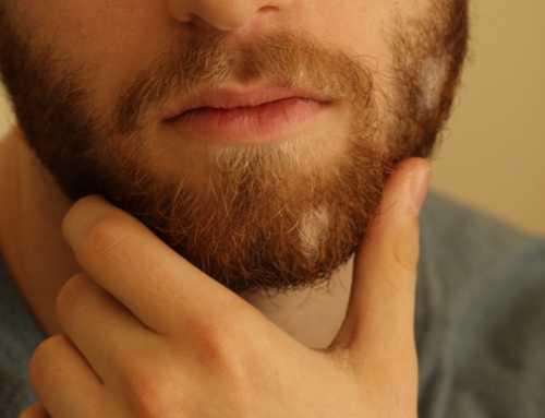 ¿Por qué mi barba no sale completa?