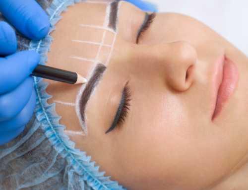 Las diferencias de implante capilar en cejas y delineado o tatuado
